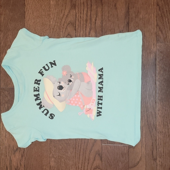 Childrens Place Size 5T Shirt